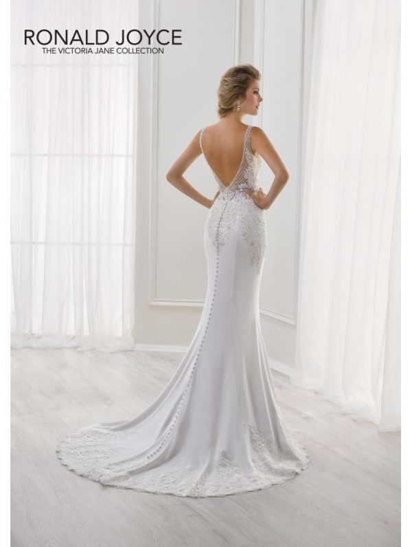 Slim fitting slipper satin gown - Lulu 18114