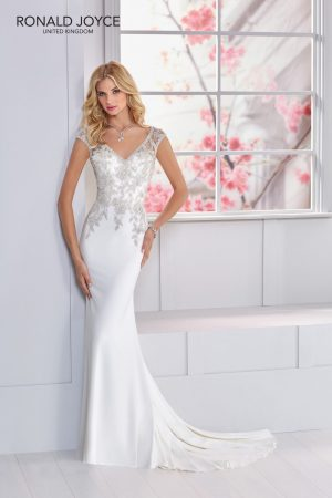 Wedding gown - Nova 69324