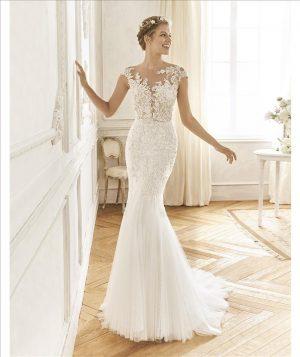 Delicate lace fit dress - Bastian