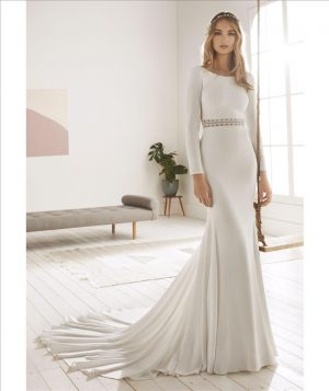 Crepe fit and flare gown - Oboe