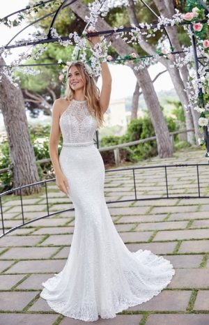 Modern fitted gown - Druina 69534